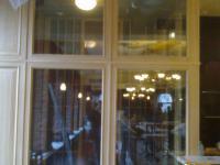 камера хранения вина в зале ресторана